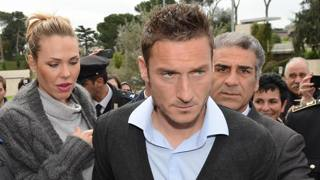 Ilary Blasi e Francesco Totti. Ansa