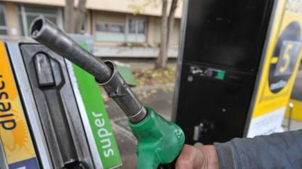 Il prezzo della benzina � diminuito del 8,81% rispetto allo scorso anno