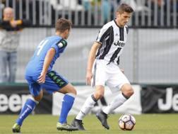 Federico Mattiello, 21 anni, in azione con la maglia della Juventus Primavera. LaPresse
