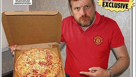 Trova Guardiola... sulla pizza. Tifoso ManUtd traumatizzato