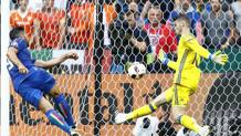 Pell� segna il definitivo 2-0 di Italia-Spagna, ottavo di finale dell'Europeo 2016. Lapresse
