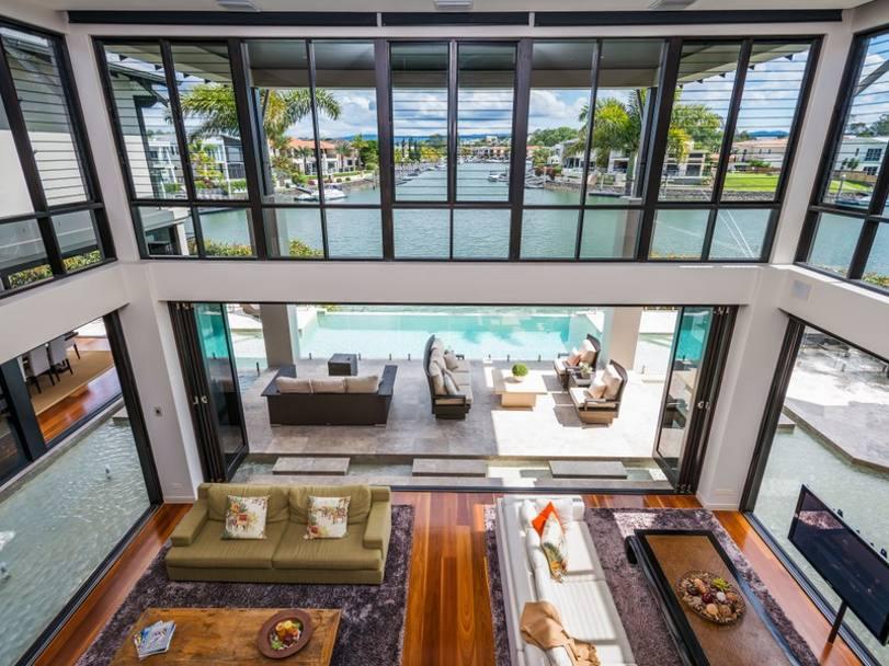 Stoner vende la villa prezzo 4 5 milioni di la for Case con 4 camere da letto con seminterrato finito in vendita