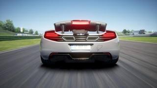 La McLaren in pista a Vallelunga