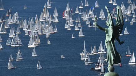 Un'immagine della Barcolana a Trieste. Afp