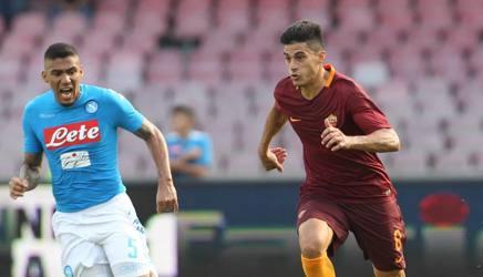Perotti inseguito da Allan in Napoli-Roma 1-3 di sabato scorso. Afp