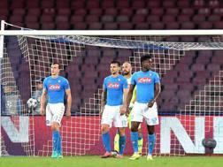 I giocatori del Napoli dopo il terzo gol subito dal Besiktas. LaPresse