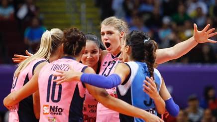 L'esultanza delle giocatrici di Casalmaggiore che hanno conquistato la semifinale FIVB.COM