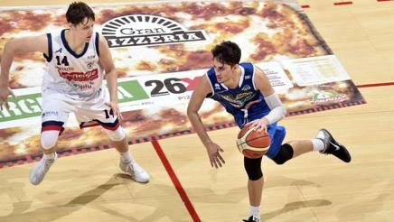 Matteo Montano contro Davide Moretti nei playoff 2016. Ciamillo