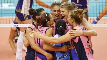 L'esultanza delle giocatrici di Casalmaggiore per la vittoria nella semifinale contro lo Zurigo FIVB.COM