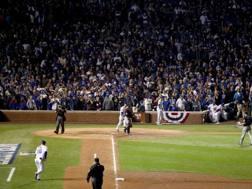 Wrigley Field di Chicago stracolmo per le World Series. Afp