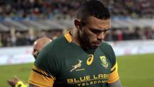 La testa china e il volto scuro di Bryan Habana all'uscita dal campo. Getty Images