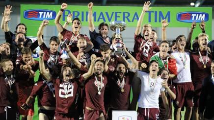 La festa del Torino campione d'Italia nel giugno 2015 a Chiavari. LaPresse