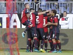 La gioia del Cagliari al gol di Diego Farias dal dischetto ANSA