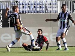 Una fase di gioco di Cagliari-Udinese, ieri al Sant'Elia. Getty