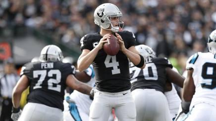 Derek Carr, 25 anni, quarterback degli Oakland Raiders, candidato al premio di mvp della stagione REUTERS