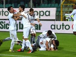 La festa dei giocatori dello Spezia. Getty