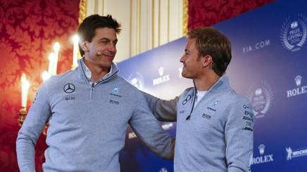 Toto Wolff, team principal Mercedes, con Nico Rosberg . Reuters