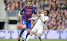Luka Modric contro Ivan Rakitic. Reuters