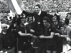 Il Toro di Radice festeggia il suo ultimo scudetto conquistato nel 1976. LaPresse