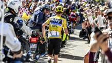 Froome rimasto a piedi sul Ventoux al Tour 2016. Bettini