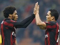Luiz Adriano, 29 anni, e Carlos Bacca, 30. LaPresse