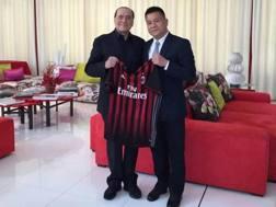Silvio Berlusconi con Li Yonghong, presidente di Sino-Europe Sports