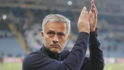 L'allenatore portoghese del Manchester United, Josè Mourinho. Ap