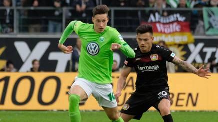 A sinistra, Julian Draxler, centrocampista offensivo del Wolfsburg. Epa