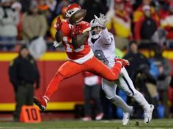 Il wide receiver dei Chiefs Tyreek Hill riceve il passaggio da td AFP