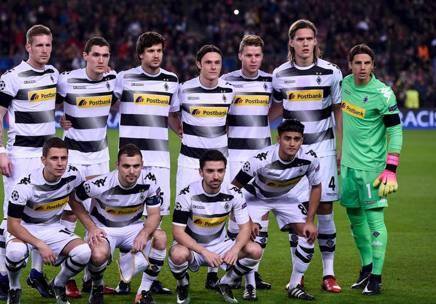 Il Borussia Monchengladbach schierato a inizio partita. Afp