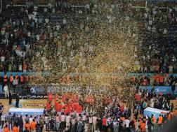 I festeggiamenti dell'Olympiacos al Sinan Erdem Dome di Istanbul nel 2012. Ciamillo