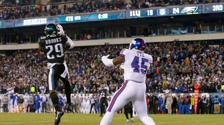 L'intercetto del defensive back di Philadelphia, Terrence Brooks