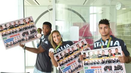 Fabio Basile (a destra) con Odette Giuffrida e Frank Chamizo nella sede della Gazzetta. Bozzani