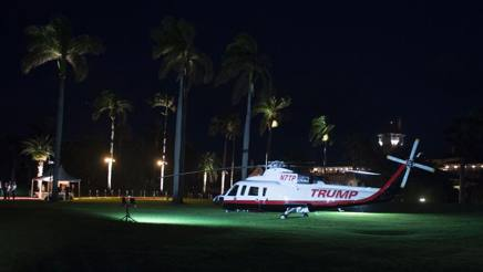 L'elicottero di Trump sul green di Palm Beach