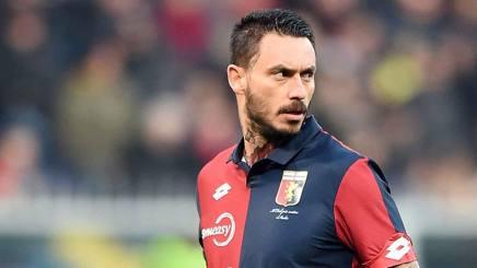 Mauricio Pinilla con la maglia del Genoa. Lapresse