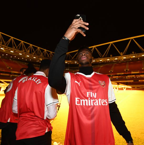 Selfie per il cestista Emmanual Mudiay (Getty Images)