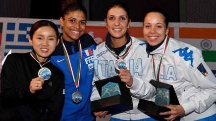 Il podio di Algeri: Nam (argento), Thibus (oro) e le azzurre di bronzo Errigo e Volpi. Bizzi
