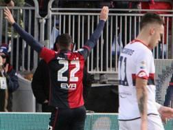 Ocampos sconsolato dopo il gol di Borriello. Getty