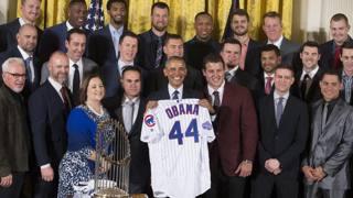 Obama si congeda con la festa ai Chicago Cubs