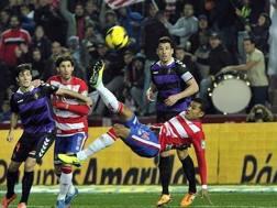 Jeison Murillo realizza in rovesciata contro il Valladolid ai tempi del Granada