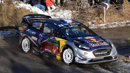 Sebastien Ogier sulla Ford Fiesta WRC al Montecarlo. Afp