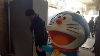 La mascotte Doraemon entra allo stadio con Gattuso