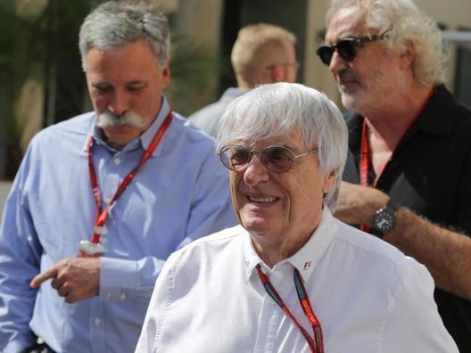 Bernie Ecclestone e alle sue spalle a sin Chase Carey. Lapresse