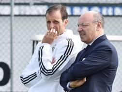 Da sinistra, Massimiliano Allegri, 49 anni, e Giuseppe Marotta, 59 anni, d.g. del club. Ansa