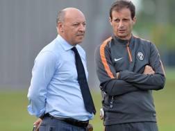 L'a.d. della Juve Beppe Marotta con il tecnico Massimiliano Allegri. Ansa