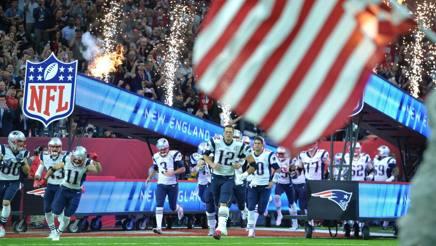 L'ingresso in campo dei New England Patriots. LaPresse
