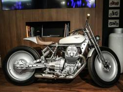 La Silver Knight, la special su base Moto Guzzi V9 usata da Biaggi nella clip