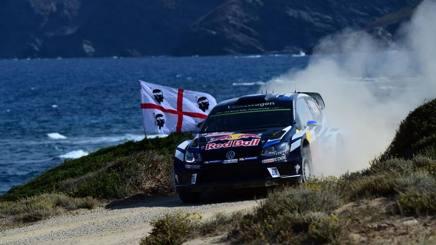 Sebastien Ogier in un passaggio del Rally di Sardegna 2016. Afp
