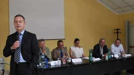 Marco Bonitta, 52 anni, a un incontro in un Liceo