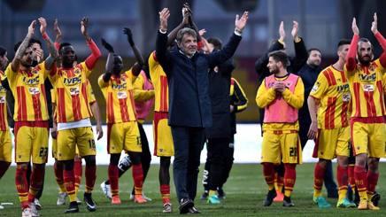 La festa dei giocatori del Benevento. LaPresse